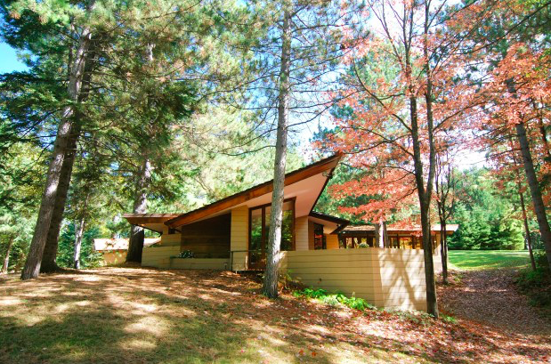 Frank Lloyd Wright home deconstructed, shipped to Pa  from