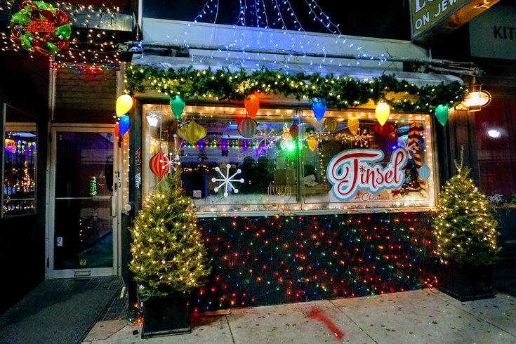 Tinsel Philadelphias Christmas Pop Up Bar Is Back With Snow Globe