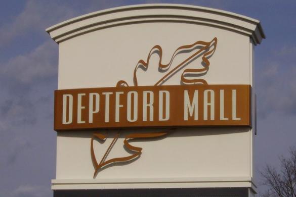 122715_DeptfordMall