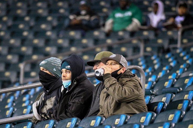 Eagles_Cowboys_fans_9_Week8_Kate_Frese_1102208.jpg