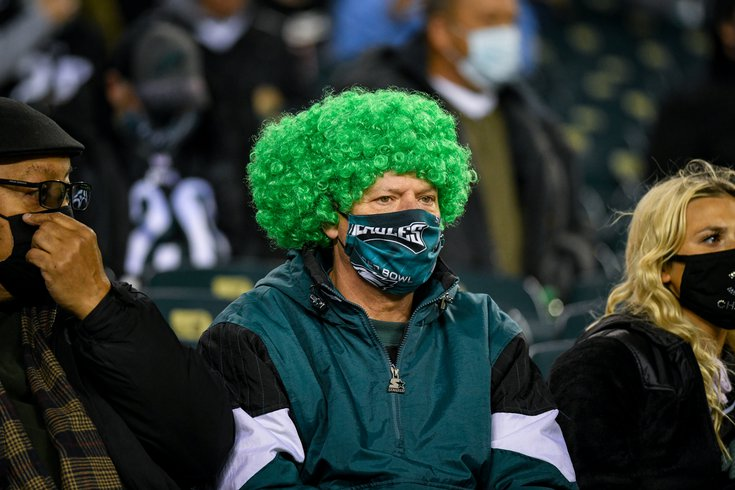 Eagles_Cowboys_fans_13_Week8_Kate_Frese_1102207.jpg