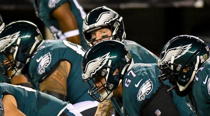 Eagles_Cowboys_Carson_Wentz_offensive_line_Week8_Kate_Frese_11022036.jpg
