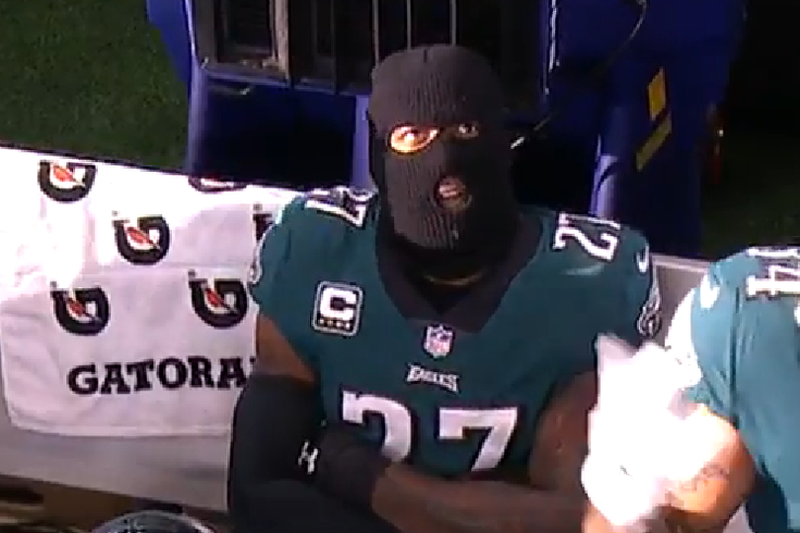 1276d43b497 The Eagles want you to wear ski masks
