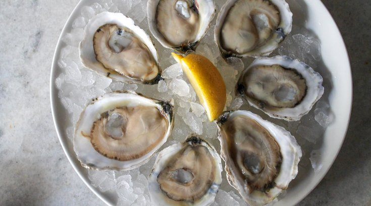 Oyster House offering shucking class