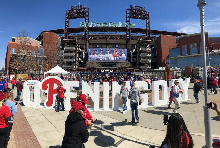 Phillies-opening-day-pano_032819_Carroll