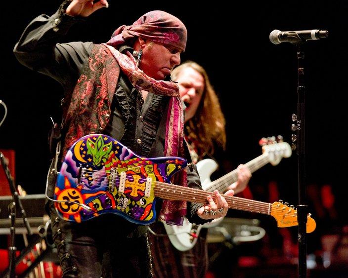 Steven Van Zandt playing guitar