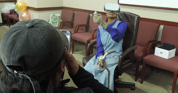Temple Hospital uses virtual reality headsets to help burn victims in PT