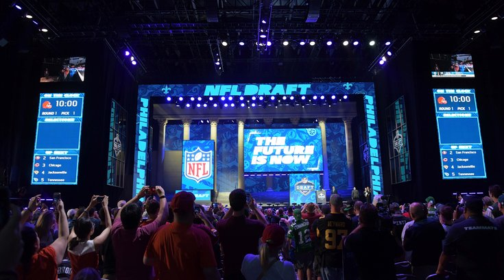042618_NFL-Draft-Stage_usat