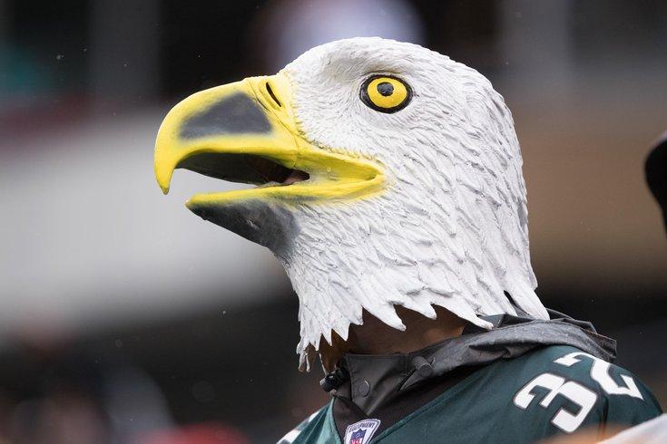012018_Eagles-mask_usat