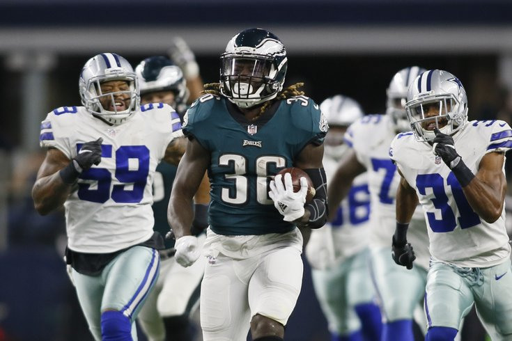 Week 17 NFL predictions: Rounding up the experts' picks for Eagles