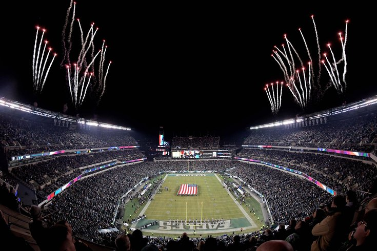Eagles Raiders NFL Christmas Lincoln Financial Field