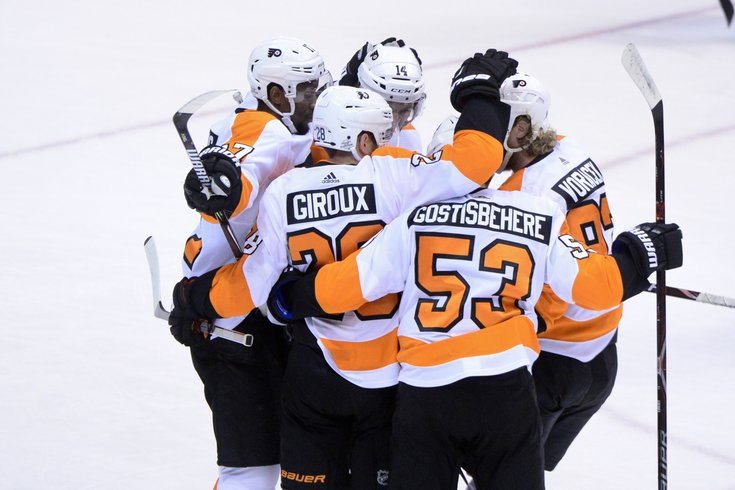 021118_Flyers-celebrate_usat