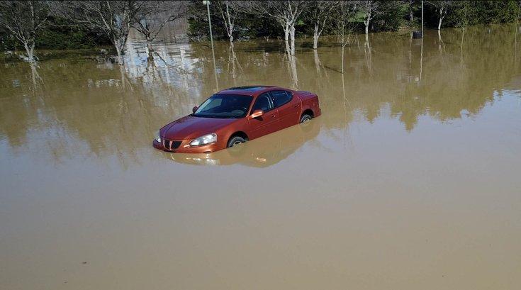 Car_flooded