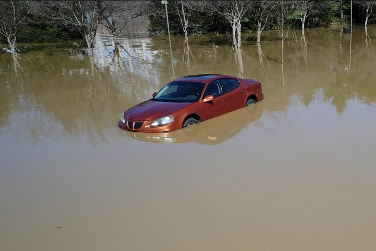 Car_flooded
