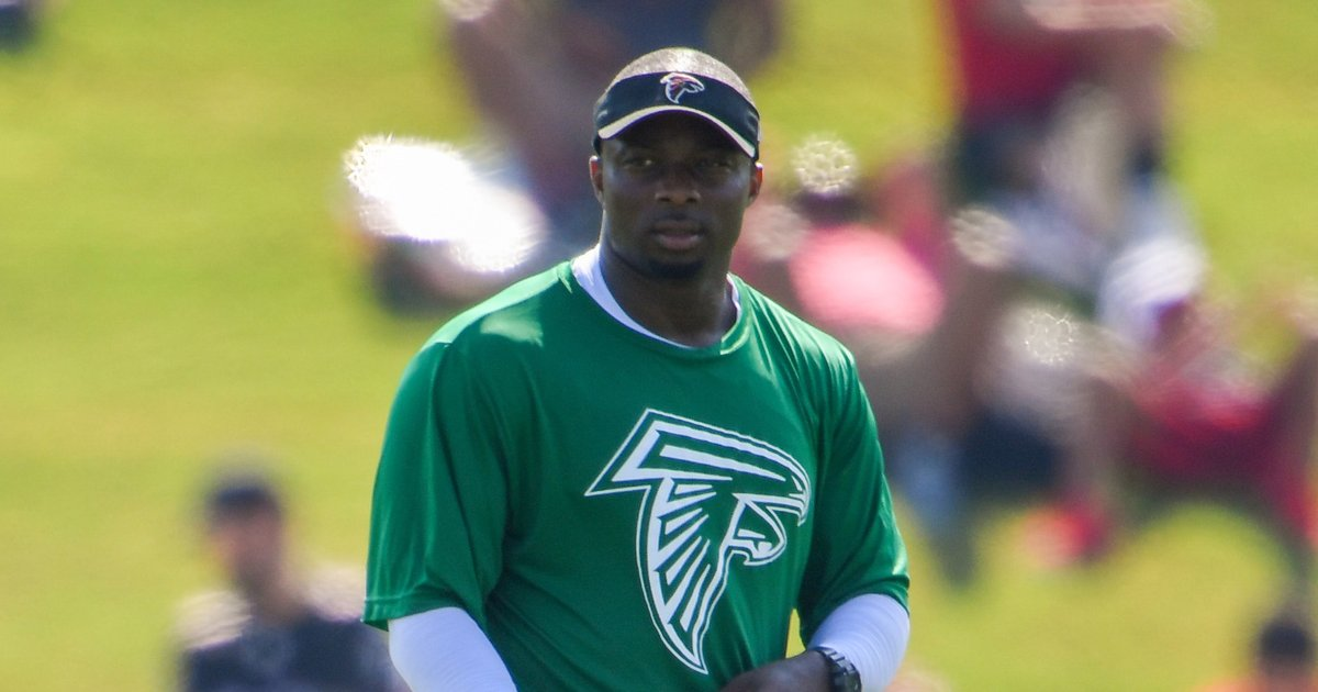 What they're saying: Marquand Manuel, Matt Burke may be Eagles' newest position coaches