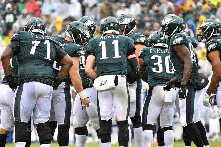 67a0a3c9c Eagles teammates defend Carson Wentz on Twitter following ...