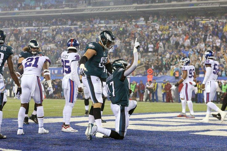101118_Eagles-Giants-TD_usat