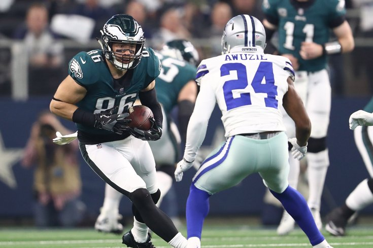 120918_Eagles-Cowboys-Ertz_usat