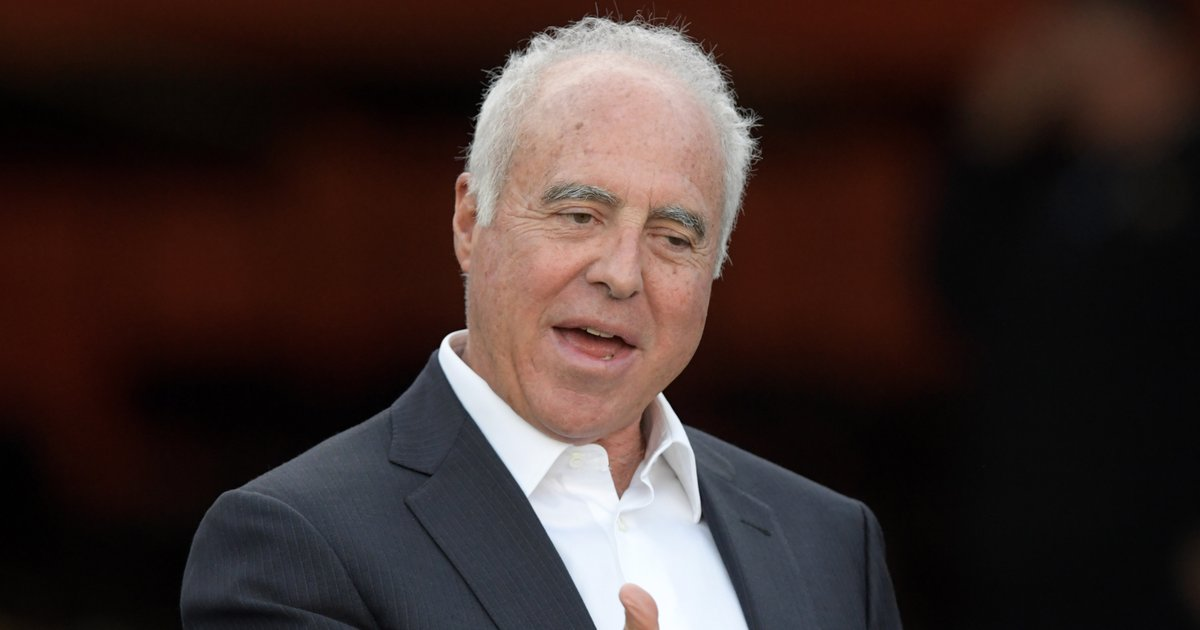 c5133e65dbd Jeffrey Lurie optimistic about the Eagles wearing Kelly green in ...