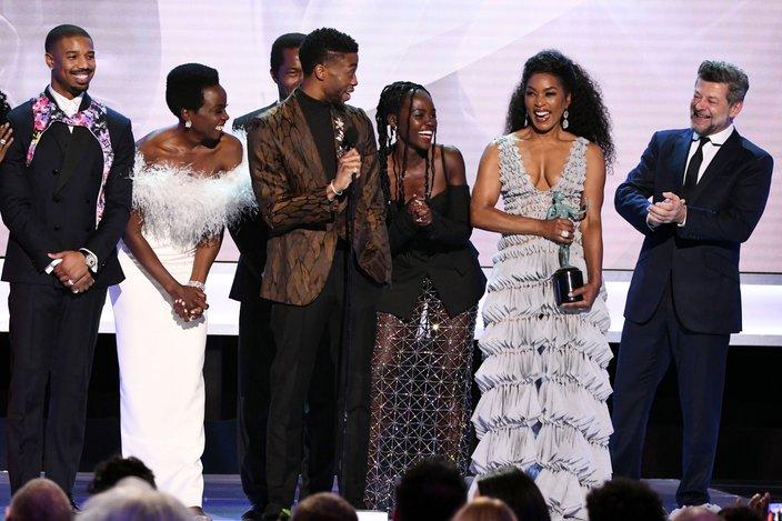 Chadwick Boseman gives speech as the cast accepts their SAG award