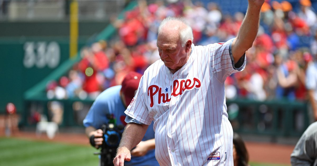 Is Phillies' hitting coach Charlie Manuel sharing a cryptic message on Twitter? - EpicNews