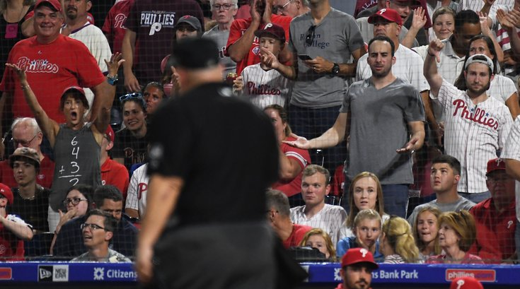 Phillies-fans-booing_021820_usat