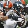 Eagles-Browns-Carson-Wentz_112020_USAT