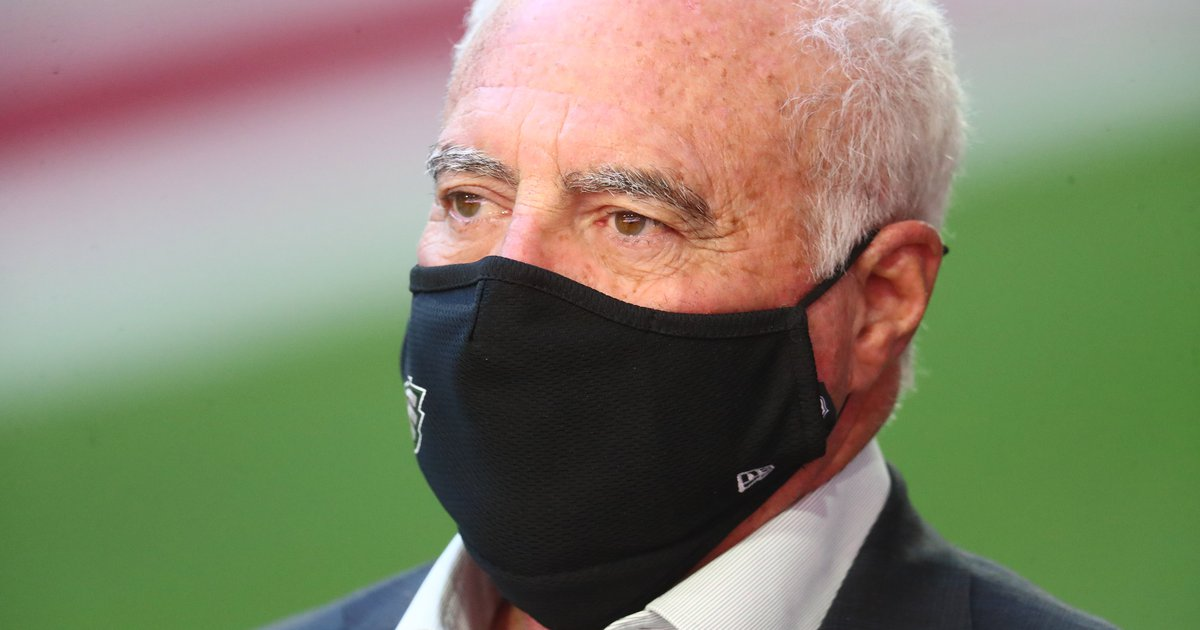 Handing out 10 awards from Jeffrey Lurie's delusional press conference