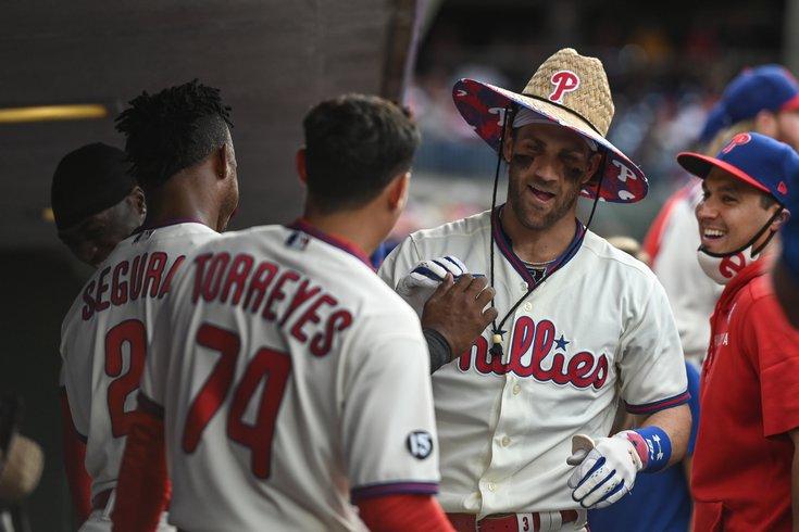 Phillies-Bryce-Harper-home-run-hat_092721_USAT