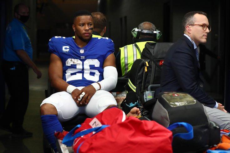 Saquon-Barkley-injured-Giants_101021_USAT