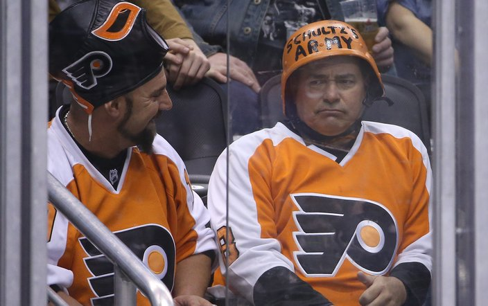 092518_Angry-Flyers-Fan_usat