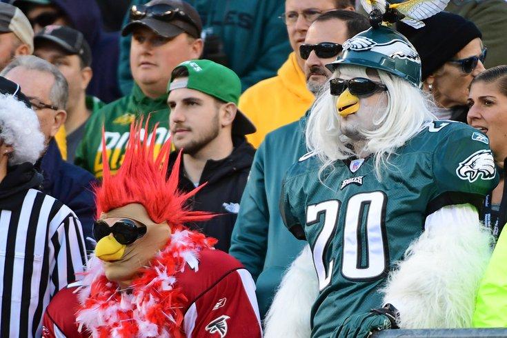 011218_Eagles-Falcons-fans_usat