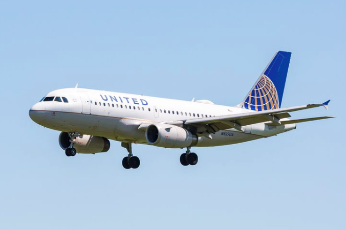 United Dulles PHL