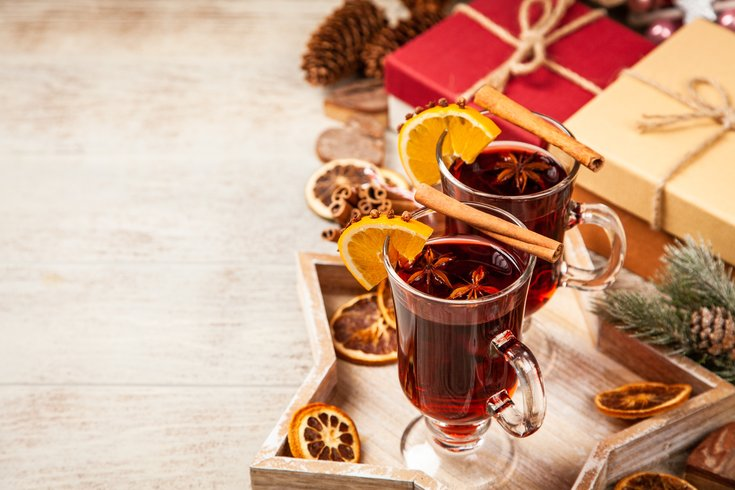 holiday cocktail hot toddy