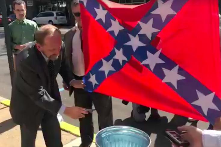 Pennsylvania Fair Allows Sale Of Confederate Flags So Activist