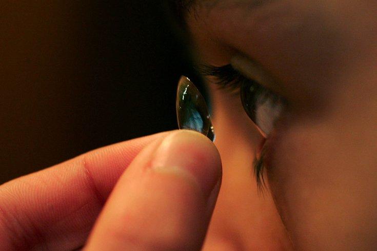 contact lens drain