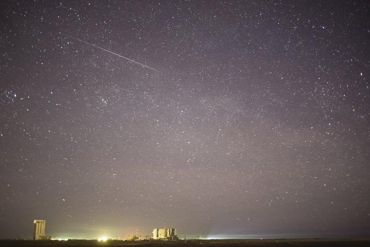 费城地区的观众可能会在周一凌晨2点左右和北半球的人们一起看到一年一度的双子座流星雨高峰。(photo:PhillyVoice)