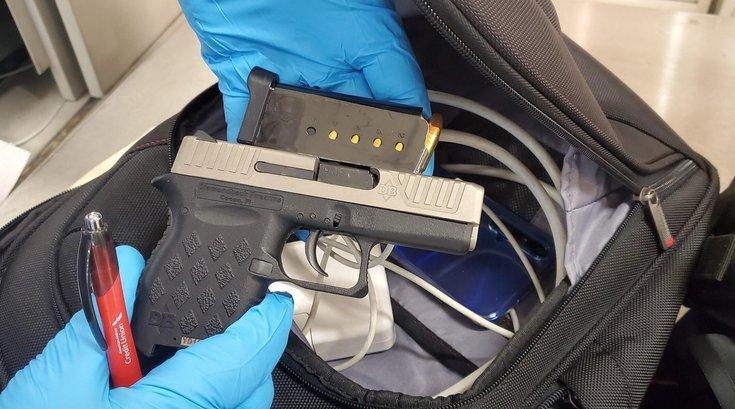 gun tsa philly airport