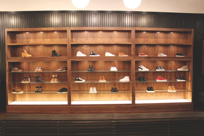Lapstone High End Shoe Wall