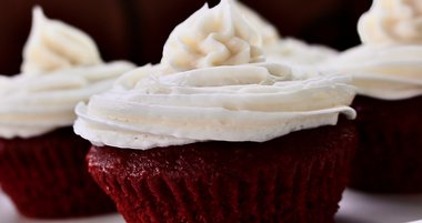 Limited - Make Your Heart 'Beet' Cupcakes