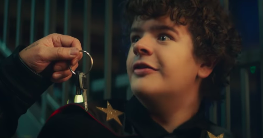 Dustin from 'Stranger Things' stars in Green Day music video