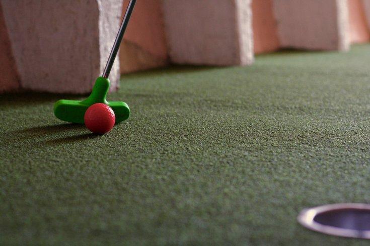 mini golf tournament at Linvilla Orchards