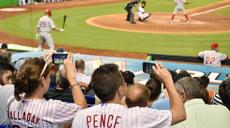 Phillies fans phones youtube game