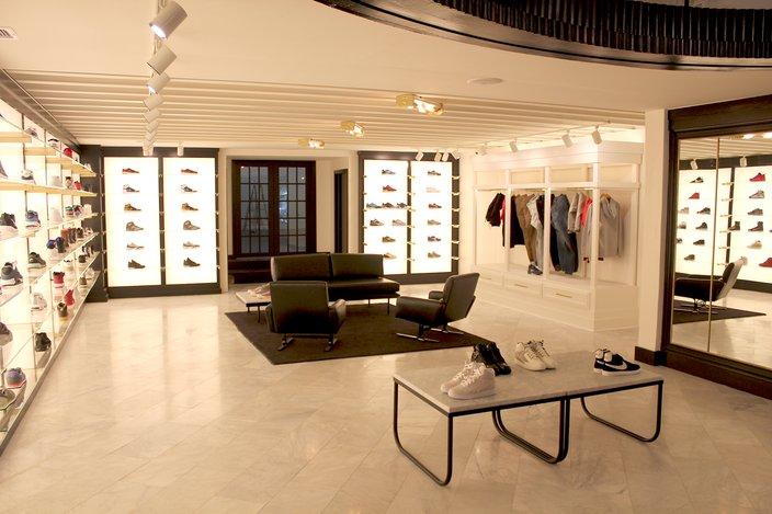 Lapstone Sneaker Room
