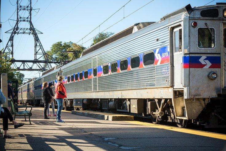 SEPTA从12月14日星期一开始关闭14个区域铁路售票处,为期10周,原因是COVID-19大流行病对乘客的影响导致预算不足。(photo:PhillyVoice)
