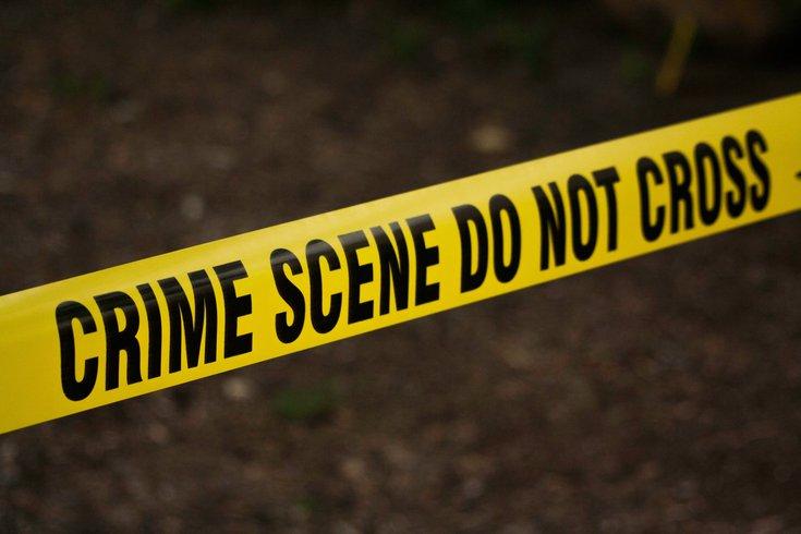 周四,卡姆登县Gloucester镇的一个购物中心停车场发生枪击事件,一人死亡。新泽西州官员继续调查该事件。(photo:PhillyVoice)