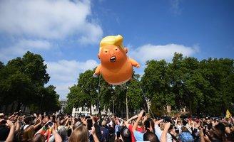 baby trump balloon london