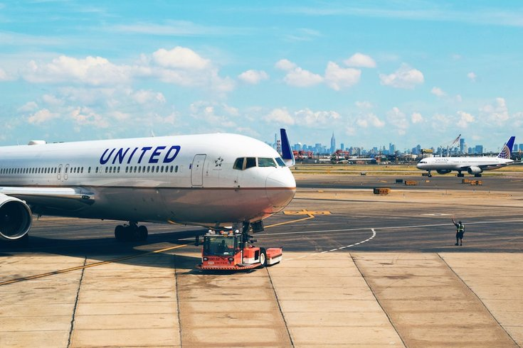 United Airlines Flight From Newark Catches Fire Lands Safely In Houston Phillyvoice